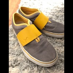 Unisex slip on rubber elastic Puma shoes